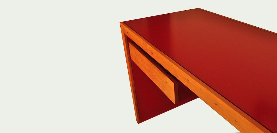 Red Writing Desk - Mano