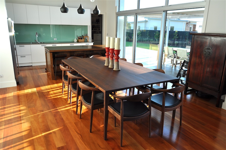 10 seater oak dining table